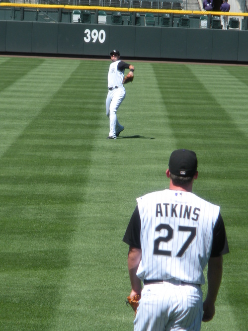 Tulo n Atkins playing Catch 9-1-08.JPG