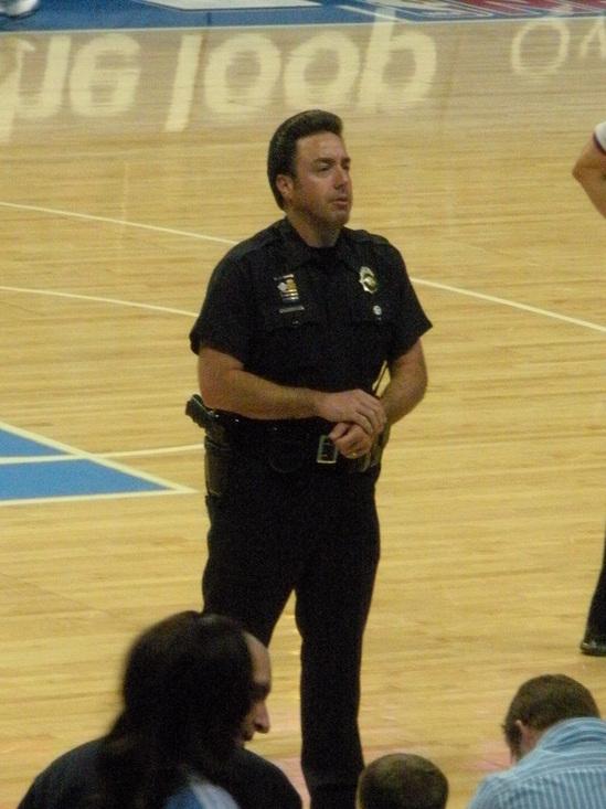 Elvis Cop 11-16-08.JPG