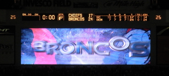 Broncos vs Chiefs final 12-7-08.jpg
