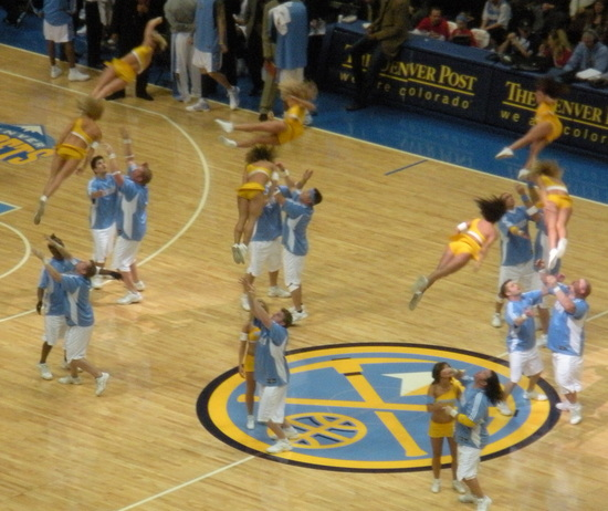 Nuggets Cheerleaders 12-13-08.jpg