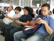 People texting.jpg