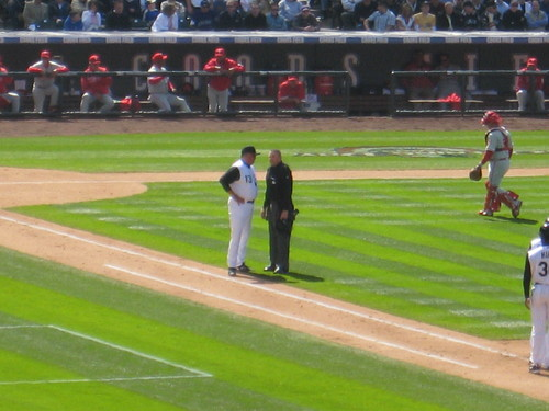 Hurdle and Ump 4-10-09.JPG