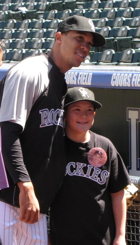 Ubaldo posing with kid 4-26-09.jpg