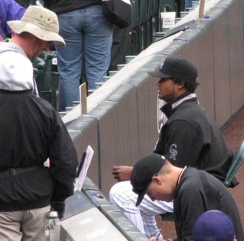 Jeff baker signing my baseball 5-10-09.jpg