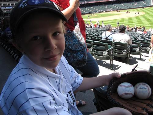 Hunters baseballs 5-31-09.jpg