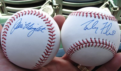 Wright and Flores autographed baseballs 5-31-09.jpg