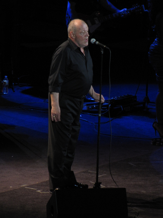 Joe Cocker on stage.JPG