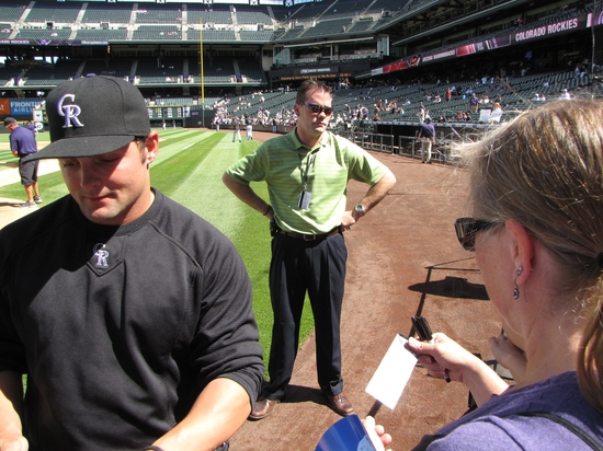 R-Luv with McKenrys autograph 9-12-10.jpg