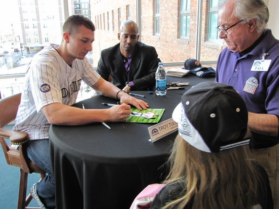 Tulo signing for Mylee RF.jpg