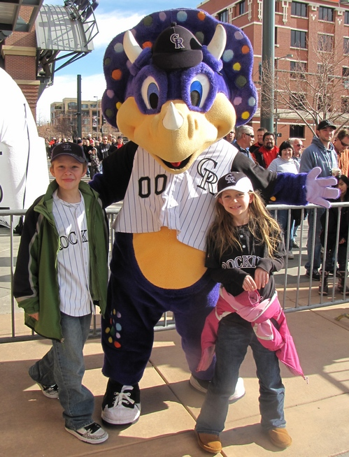 Dinger and H and M.jpg