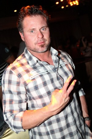 Jason Giambi Peace sign.jpg