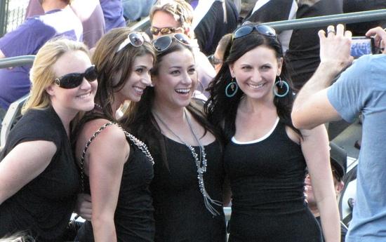 Ladies posing  OD 2011.jpg