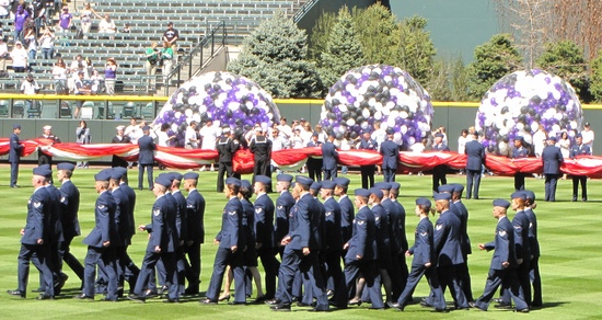 More balloons in the outfield OD 2011.jpg