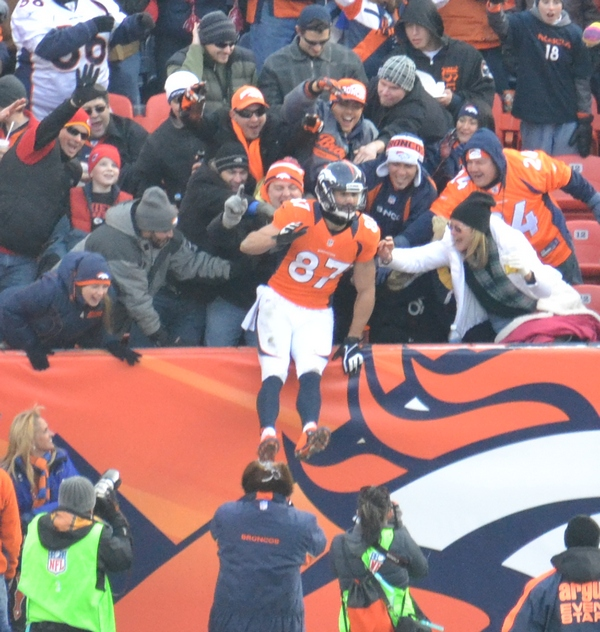 22 Decker td in crowd 12-30-12