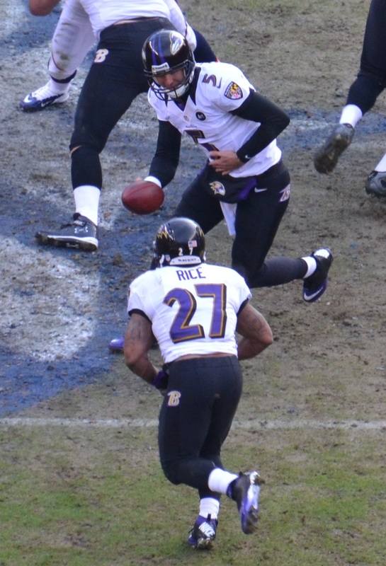 36 b po Flacco handoff to Rice